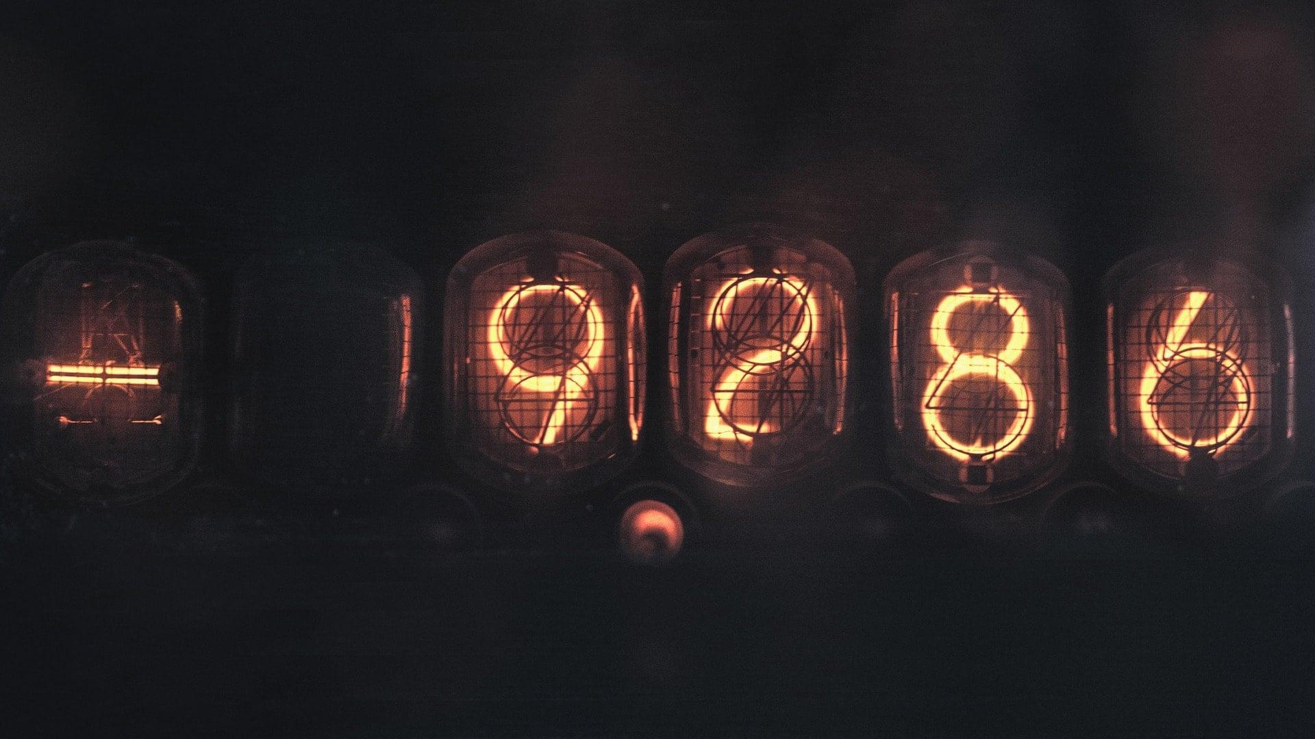 Obraz przedstawiające neonowe cyfry